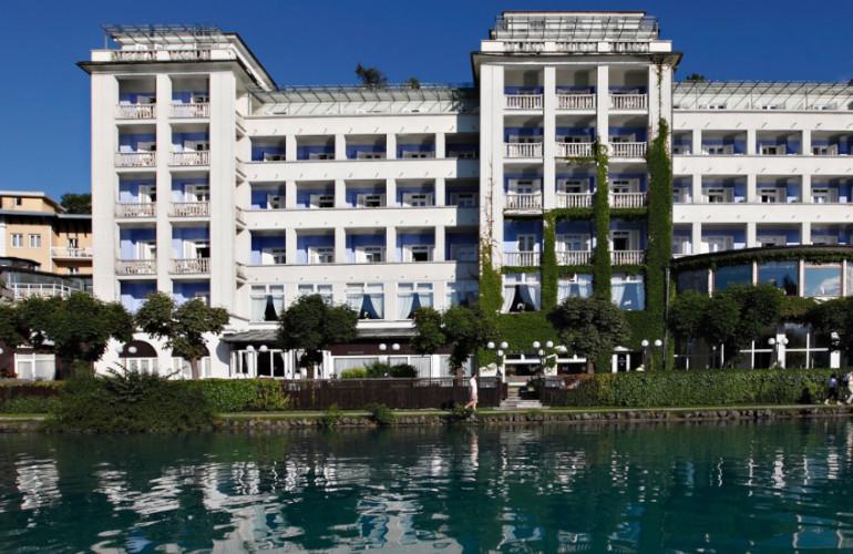 Grand Hotel Toplice z jezera.