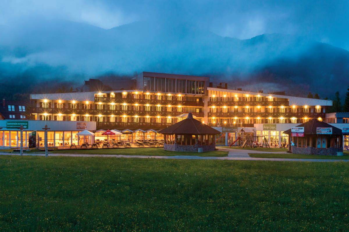 Ramada Resort Kranjska Gora ponoči