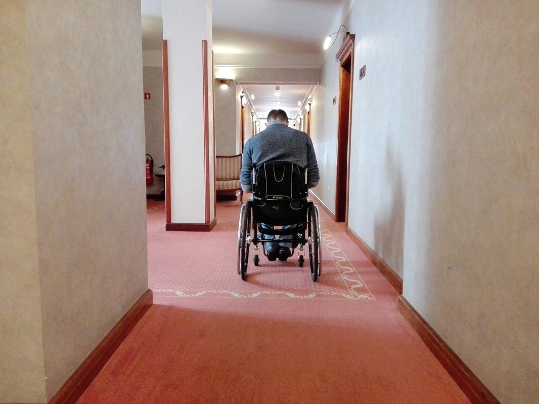 Širina hodnika v Grand Hotelu Toplice