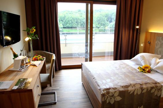 Soba ima tudi balkon