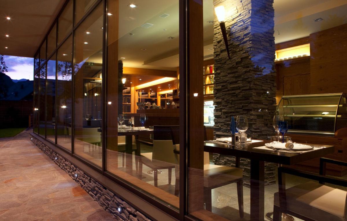 Restavracija z zunanje strani