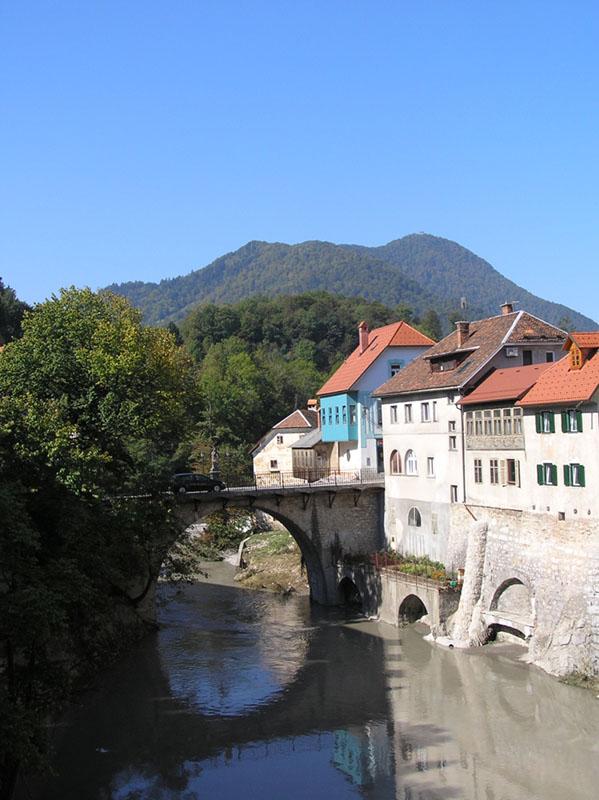 Kamniti oziroma Kapucinski most