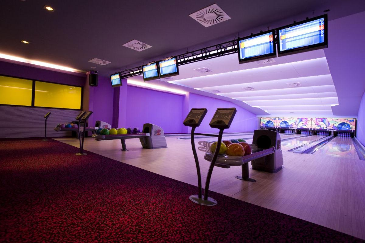 Bowling dvorana oziroma kegljišče