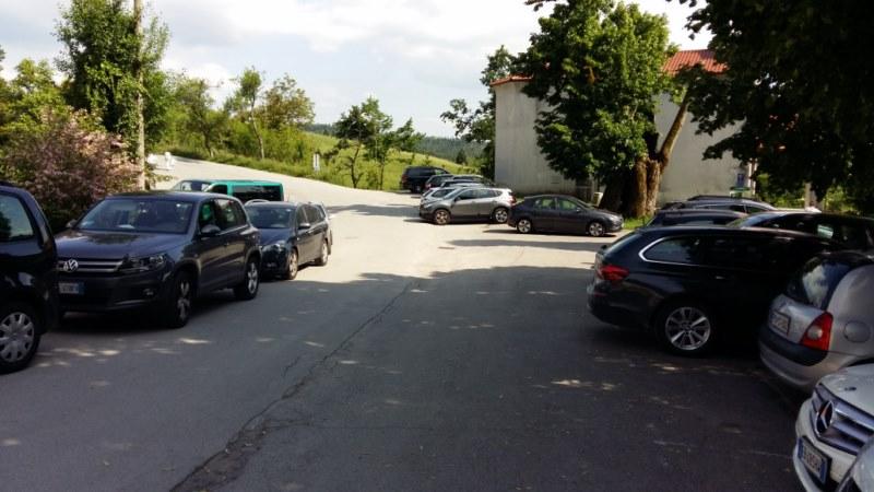 Majhno parkirišče