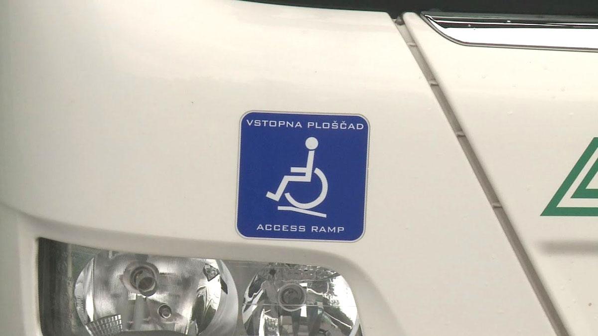 Oznaka prilagojenega avtobusa