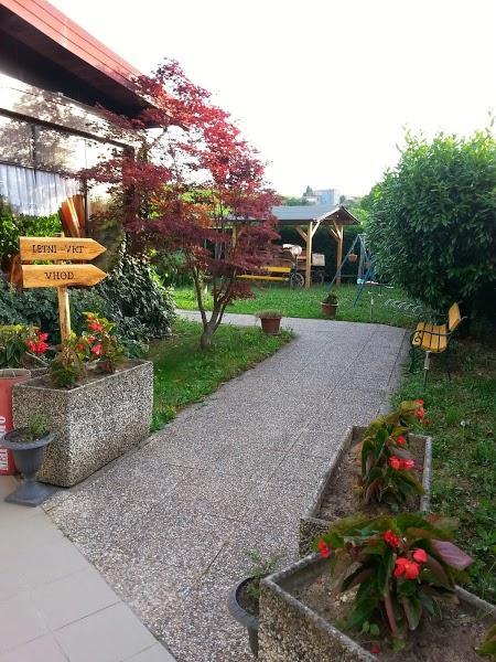 Vhod z vrtne strani