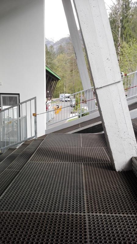 Stopnice pred gondolo