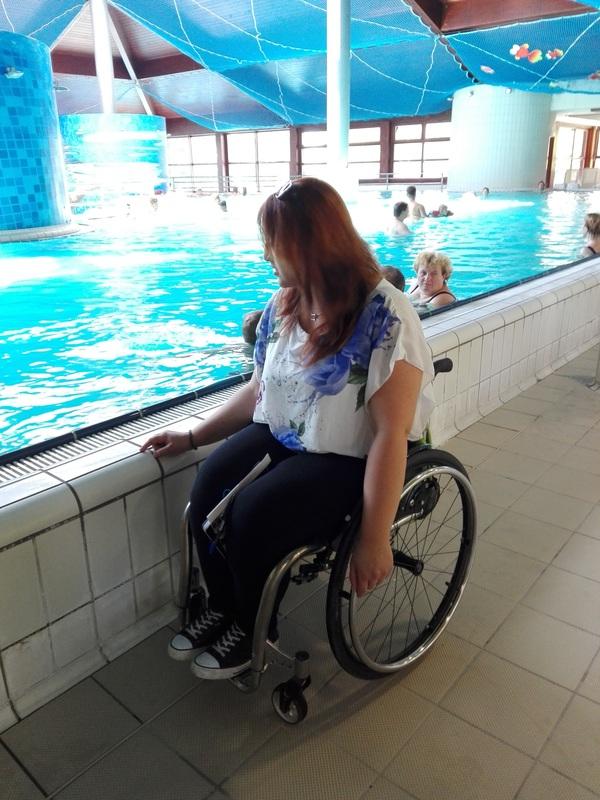 Visok rob bazena