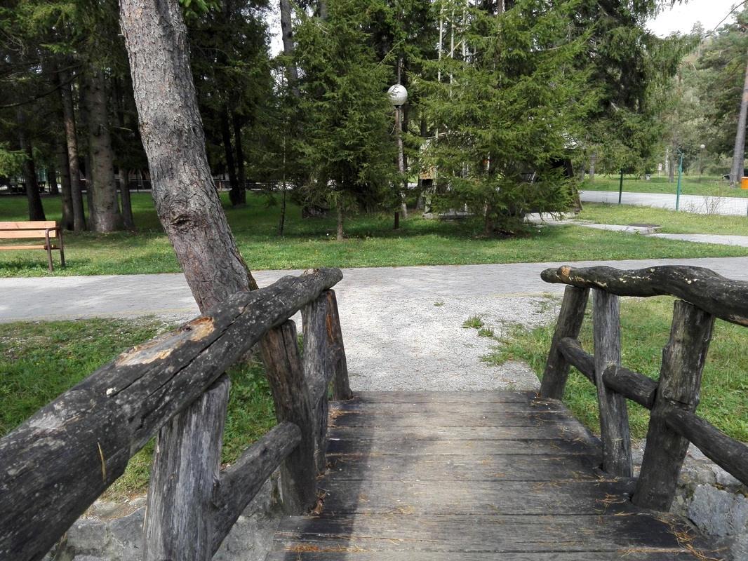 Stik mosta s podlago