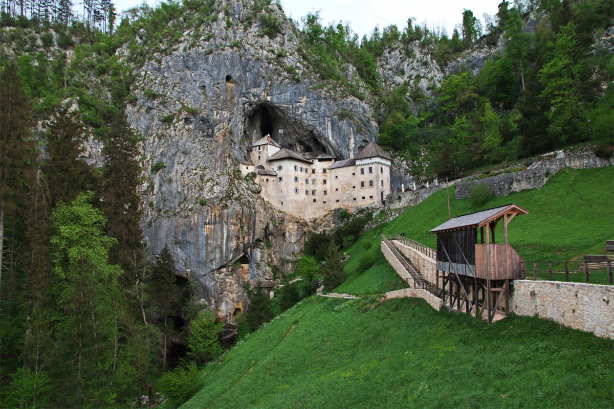 Travnik pod gradom