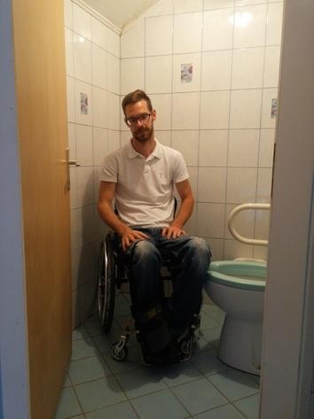 Invalidske sanitarije
