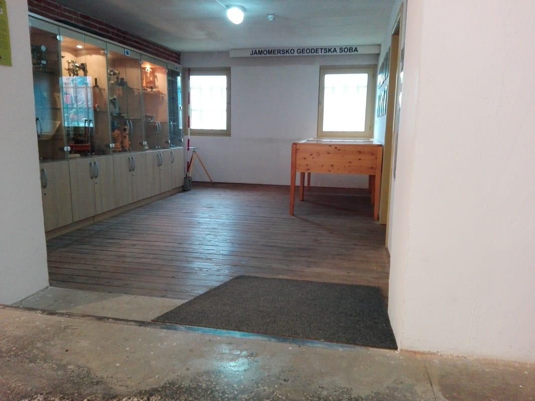 Jamomersko geodetska soba