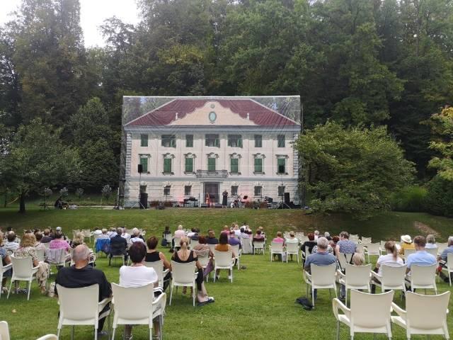Kulisa dvorca
