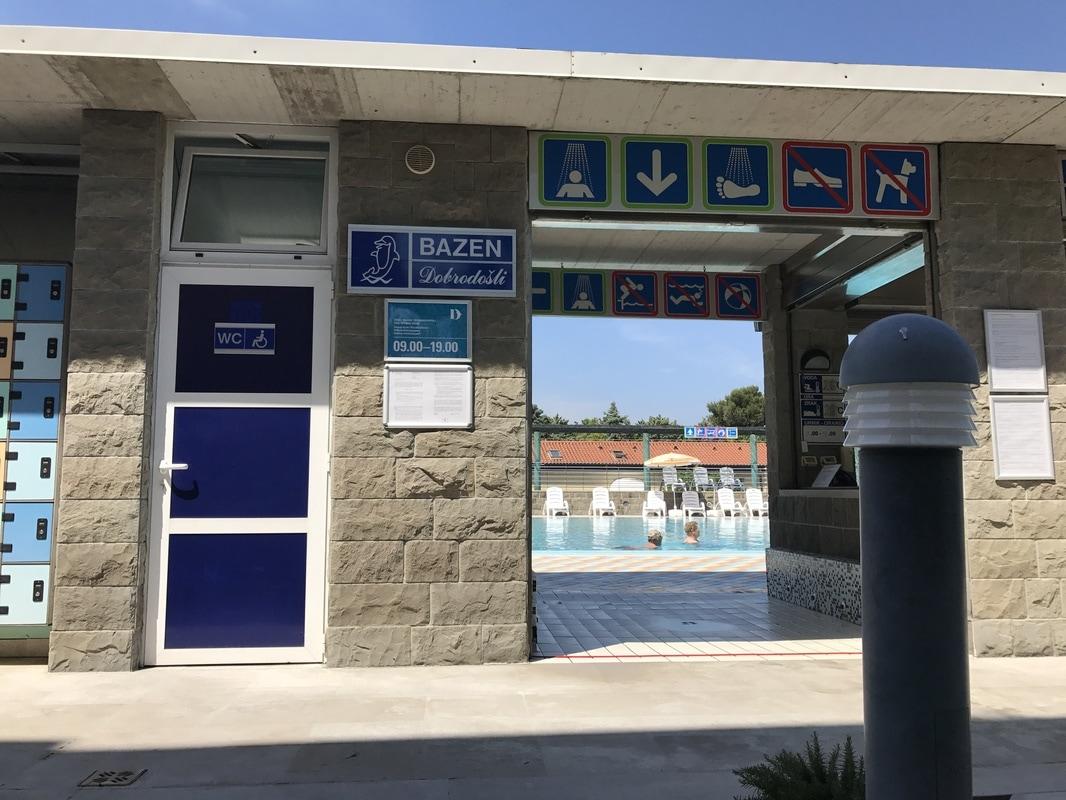 Vhod na zunanji bazen