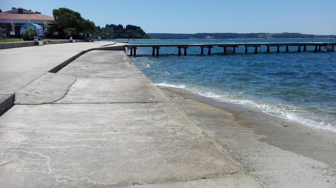 Klančina na plaži