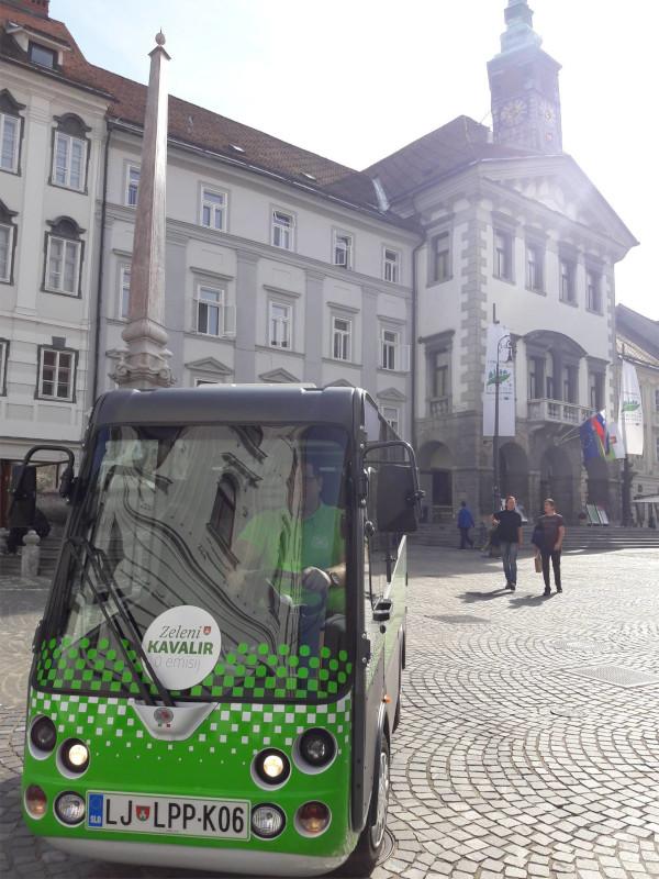 Omogoča vožnjo po mestnem središču