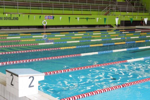 Veliki plavalni bazen