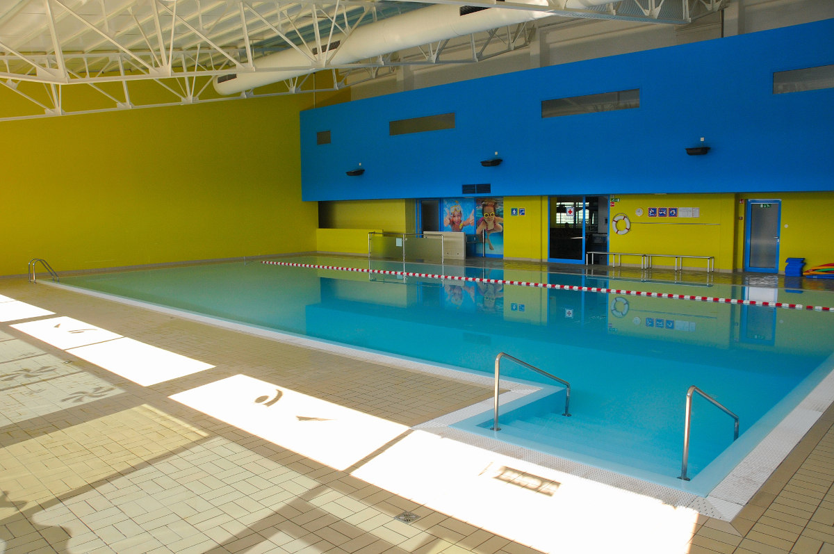 Notranji pokriti bazen