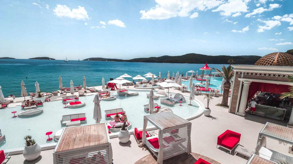 Plažni bar En Vogue Beach Club