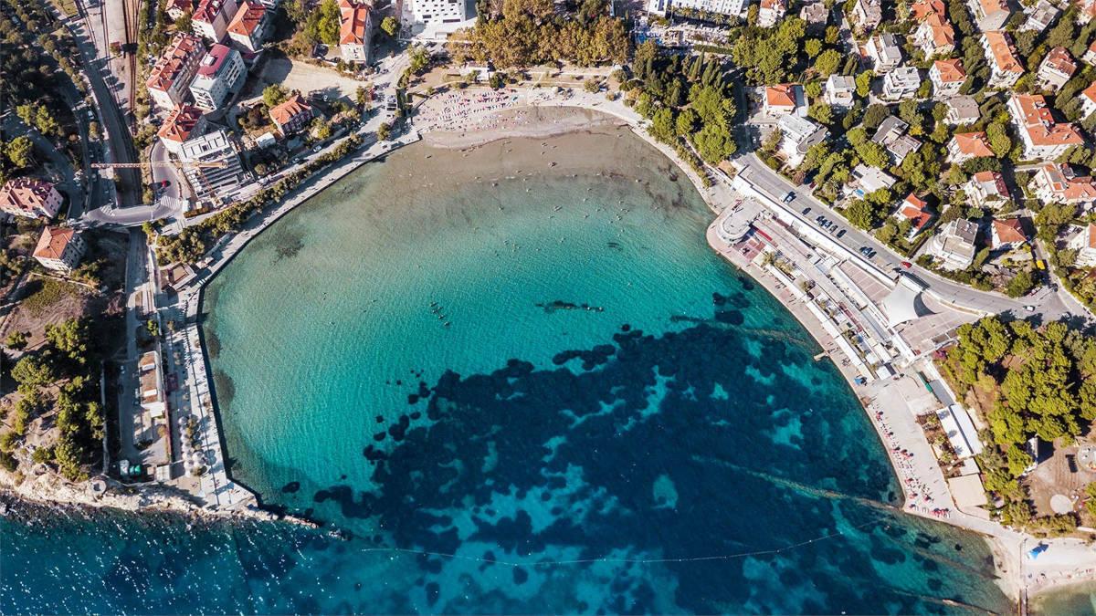 Plaža Bačvice iz zraka