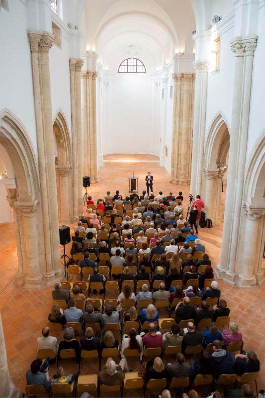 Nekdanja samostanska cerkev je danes razstavišče