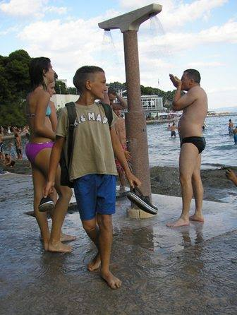 Tuši na plaži