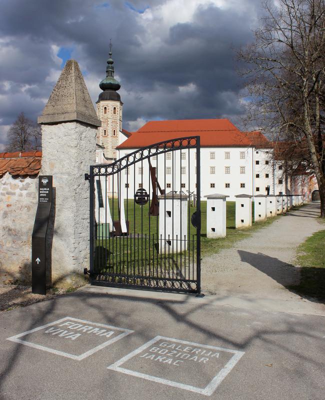 Vhod v obzidje
