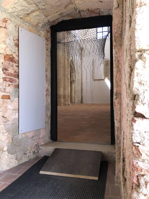 Vhod v cerkev