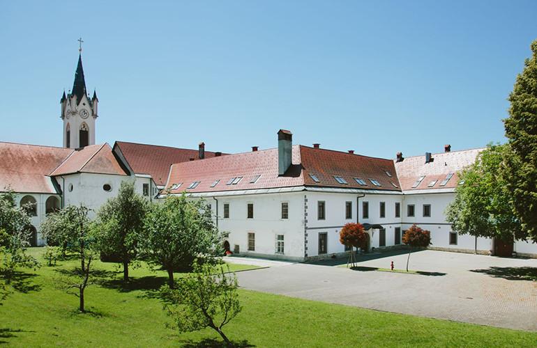 Mekinjski samostan