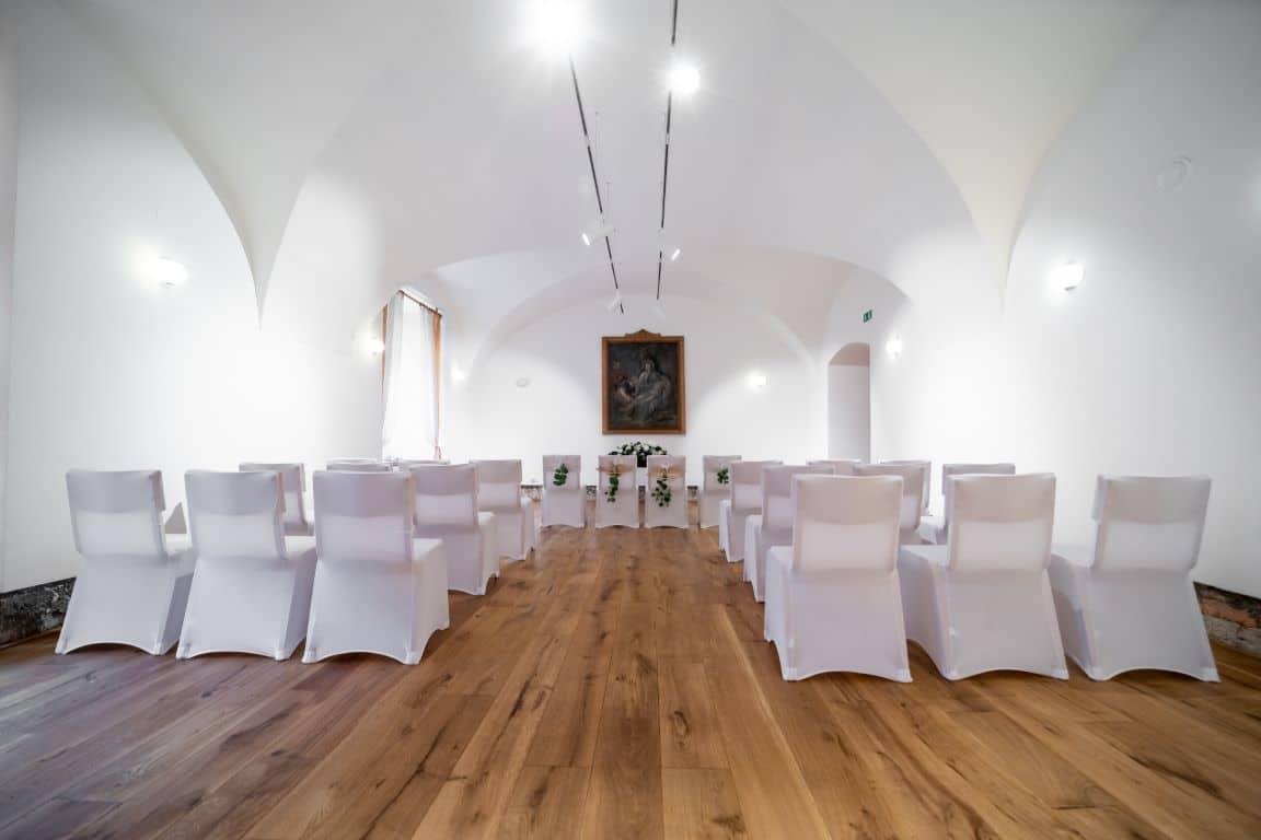 Poročite se lahko tudi v notranji dvorani