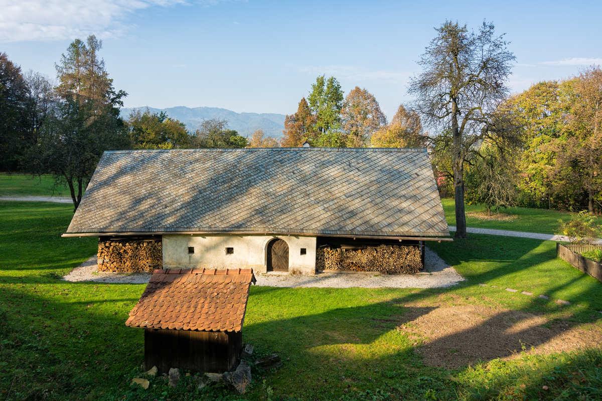 Škoparjeva hiša – muzej na prostem