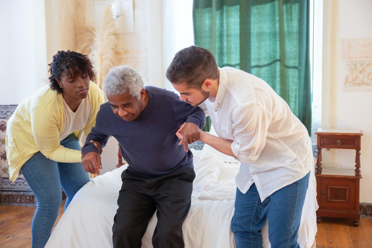 Prepreči bolečine v hrbtu: prenašanje oseb